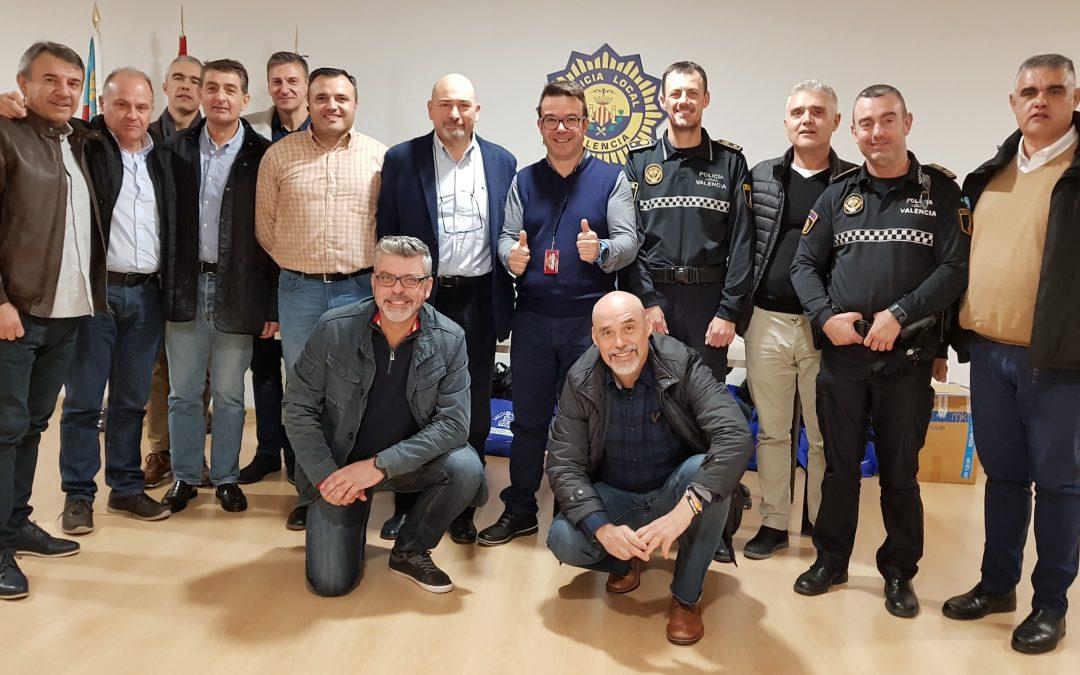 Altos mandos de la policía local hacen el curso La esencia de comunicar